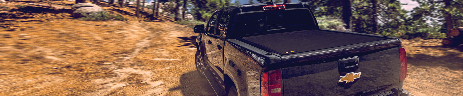 TONNEAU COVERS & BED ACCESSORIES